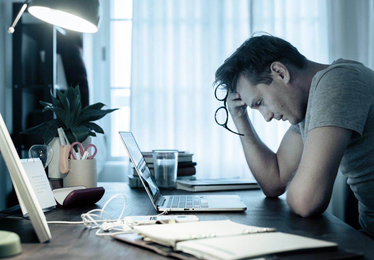 Thiếu ngủ giống như việc bị căng thẳng
