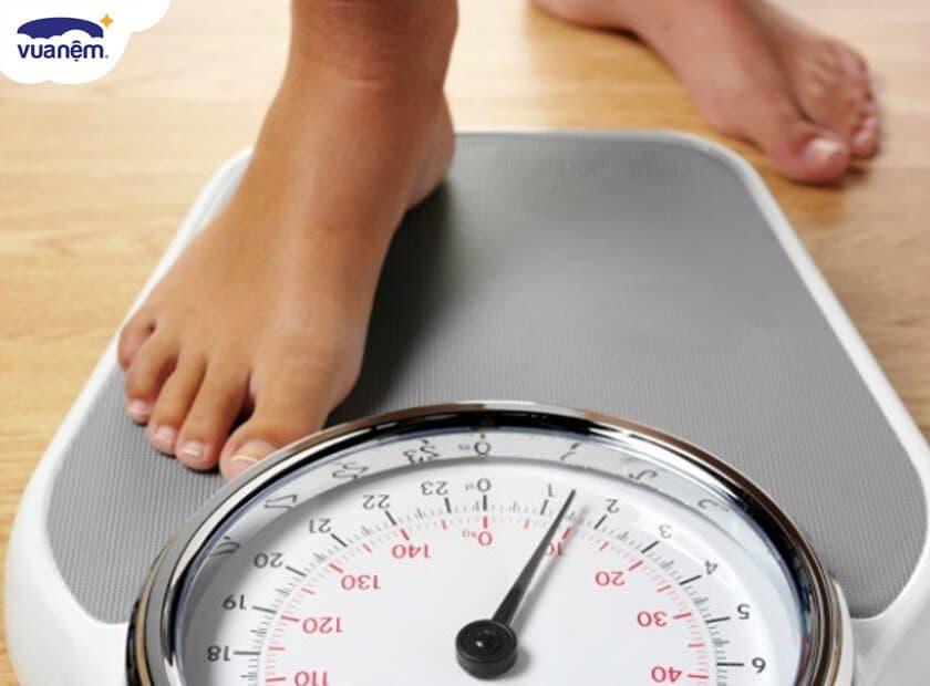 Thức khuya có ảnh hưởng đến cân nặng? Thức khuya có mập không?
