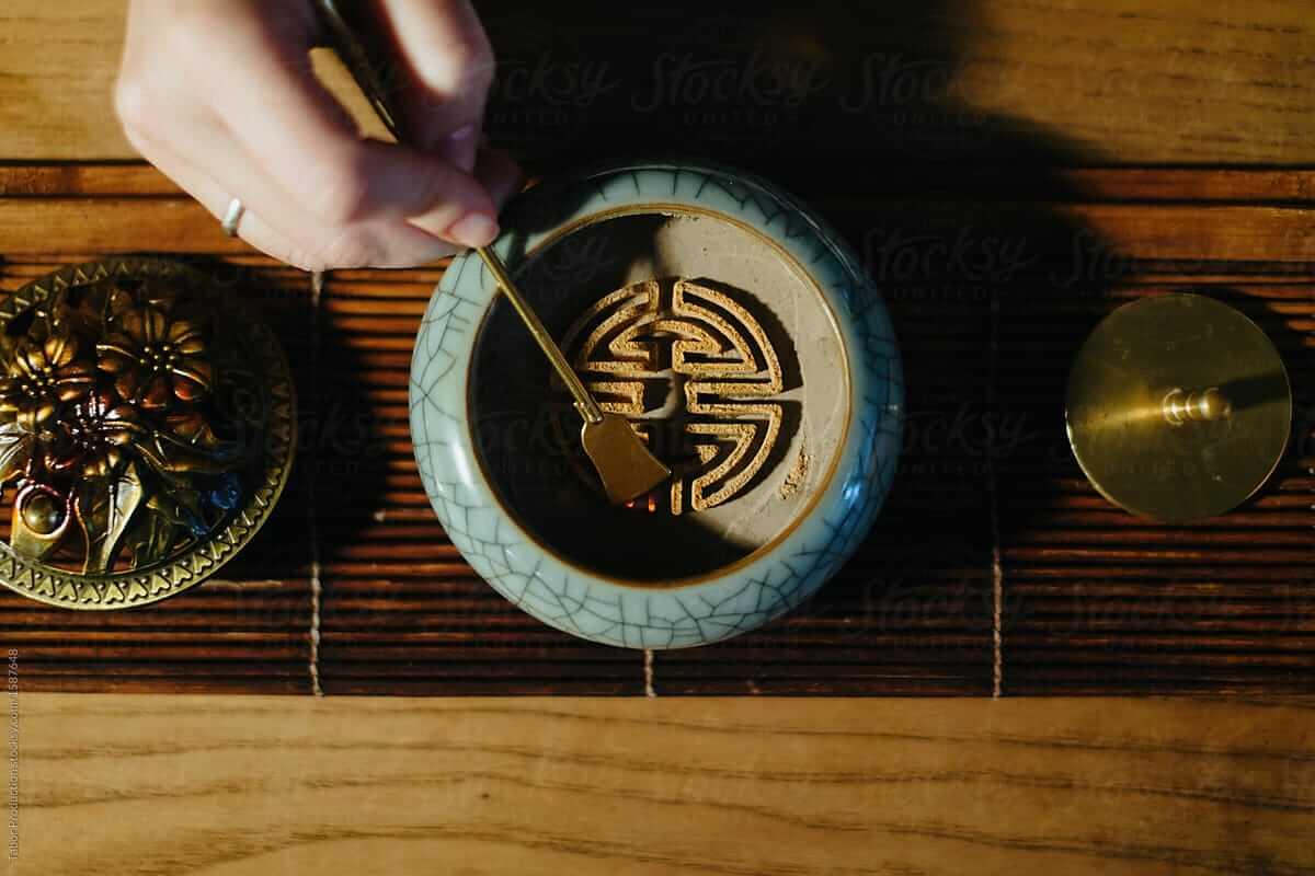 Nghệ thuật hương đạo - từ khứu giác tới tâm hồn - Vua Nệm