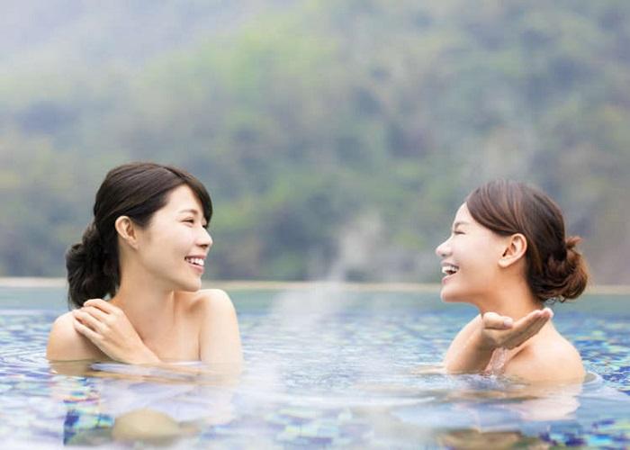 tăm suối nước nóng onsen